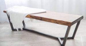 Un banc fabriqué à la main par Atelier Allard