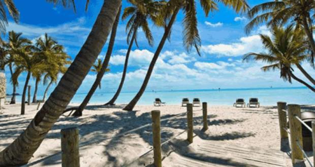 Paire de billets d'avion pour la Floride et 500 $ en argent