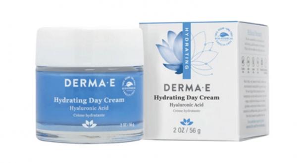 Obtenez Gratuitement une crème de jour hydratante 2 oz DERMA E