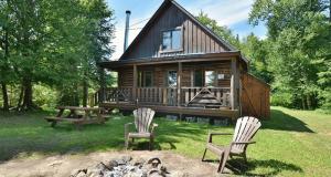 Séjour en famille dans un chalet de luxe à la Pourvoirie du Lac Berval